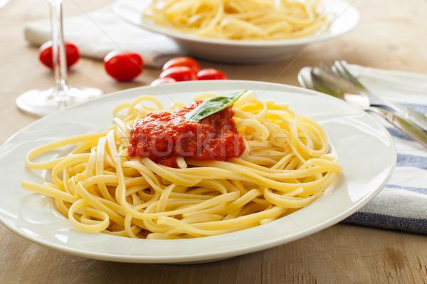 Comida italiana dois pratos espaguete comida verde Foto stock © trexec