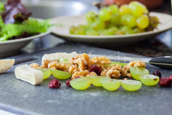 Salade druif kaas noten voedsel Stockfoto © trexec