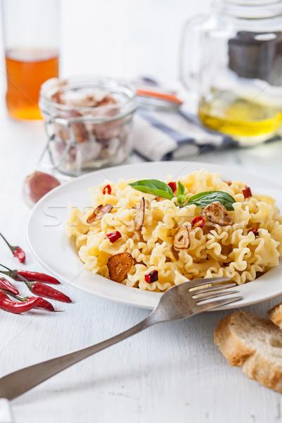 Spagetti İtalyan makarna sarımsak zeytinyağı Stok fotoğraf © trexec