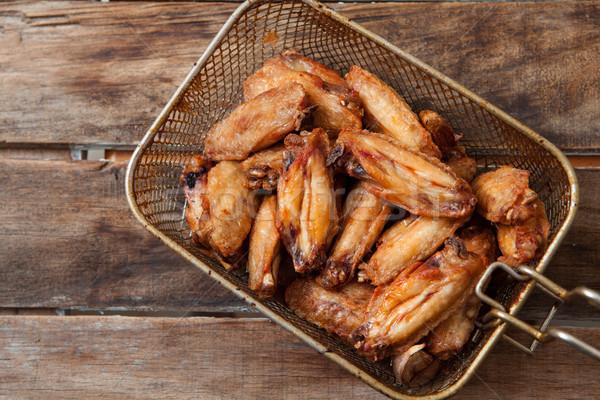 Mély sültcsirke szárnyak kosár fából készült tyúk Stock fotó © trexec