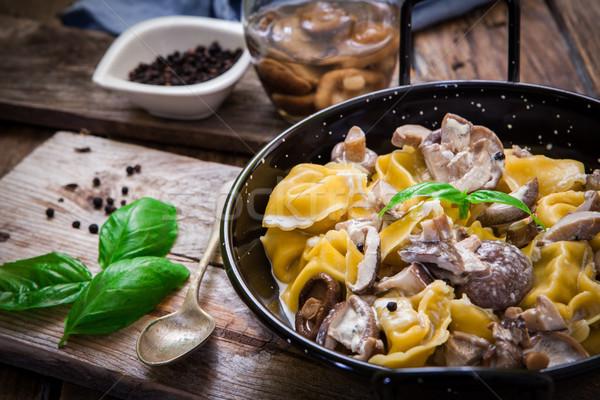 Olasz tészta tortellini nyers fa deszka japán Stock fotó © trexec