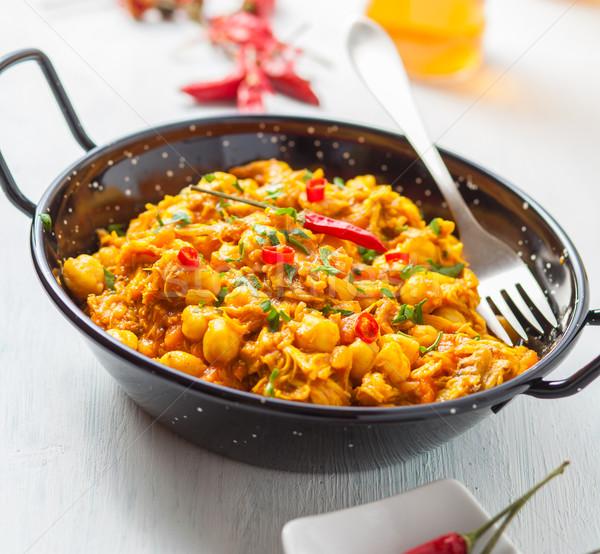 Nourriture indienne indian poulet au curry pois piment pan Photo stock © trexec