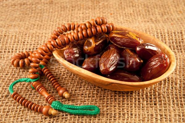 Datolya gyümölcs zöld vallás iszlám tál Stock fotó © trgowanlock