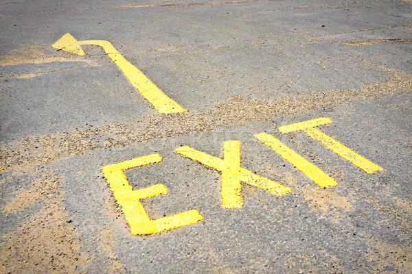 Stockfoto: Afslag · ondertekenen · Geel · oppervlak · weg · ruimte