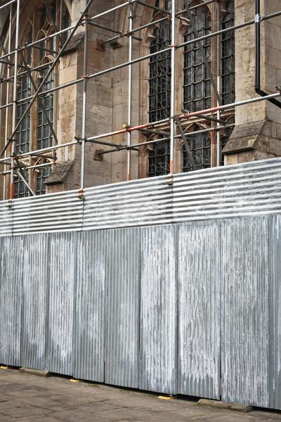 Andaime medieval inglês igreja edifício construção Foto stock © trgowanlock