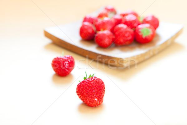 çilek taze gıda meyve sağlık arka plan Stok fotoğraf © trgowanlock