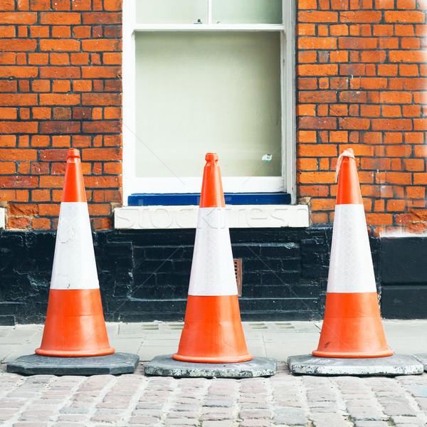 Trafik üç tuğla duvar yol sokak güvenlik Stok fotoğraf © trgowanlock