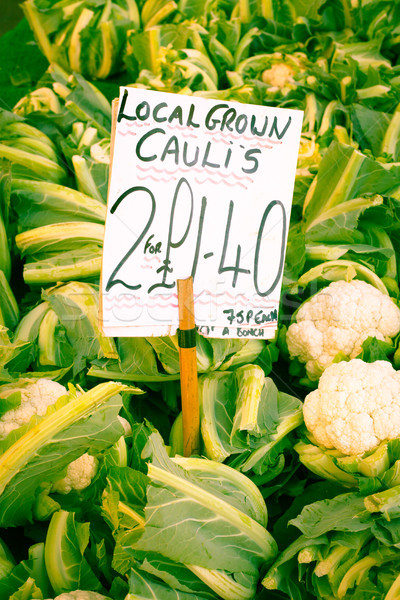 Bloemkool vers verkoop Engels markt teken Stockfoto © trgowanlock