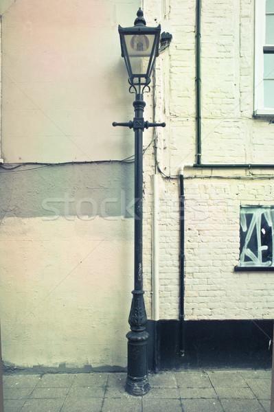 Lamba gönderemezsiniz bağbozumu kentsel duvar ışık Stok fotoğraf © trgowanlock