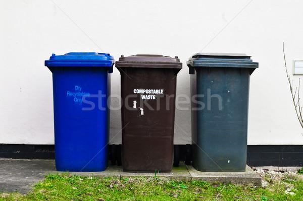 3  プラスチック 廃棄物 外 家 壁 ストックフォト © trgowanlock