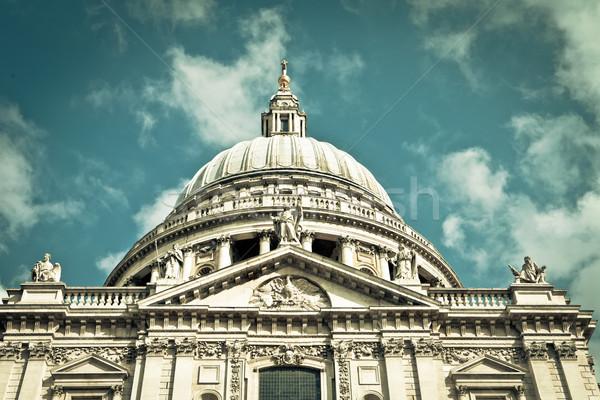 Catedral baixo perspectiva ver torre Londres Foto stock © trgowanlock