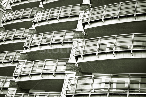 Moderne flatgebouw monochroom gebouw mode zwarte Stockfoto © trgowanlock