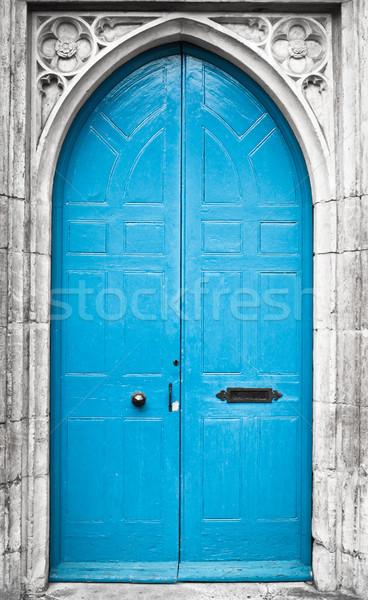 Azul porta alto igreja porta gótico Foto stock © trgowanlock