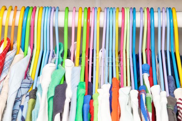 Kleding kleurrijk opknoping garderobe kinderen schone Stockfoto © trgowanlock