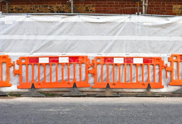 építkezés narancs határ vívás út épület Stock fotó © trgowanlock
