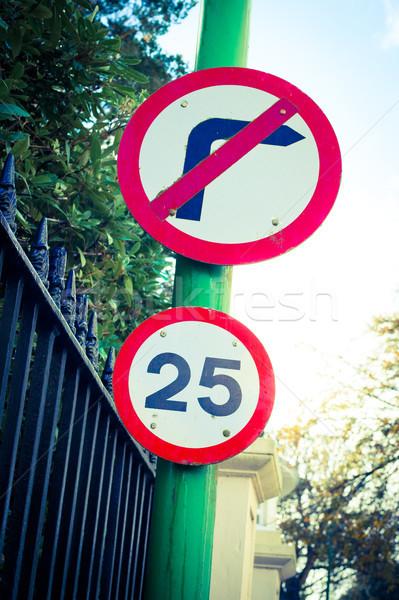 25 mph cartello stradale limite di velocità non girare Foto d'archivio © trgowanlock