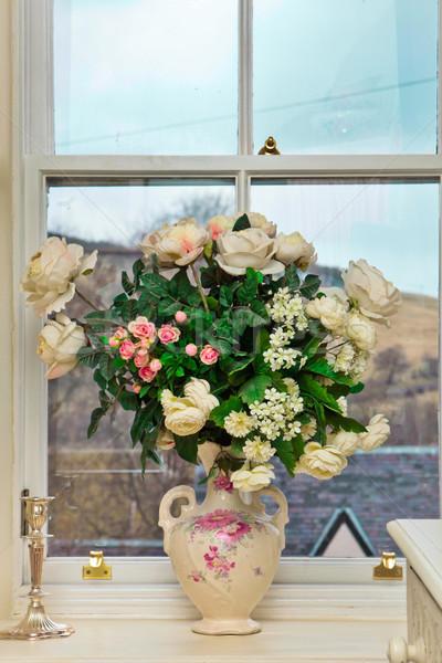 цветы окна ваза роз домой красоту Сток-фото © trgowanlock