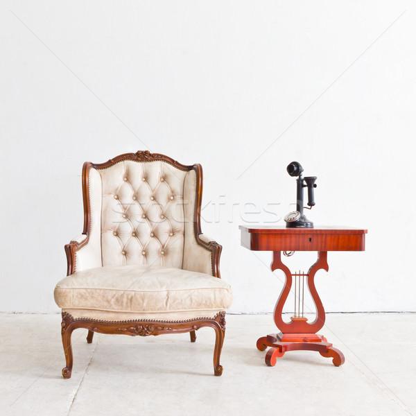 Vintage luxe fauteuil witte kamer textuur Stockfoto © tungphoto