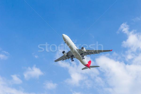 Avião voador céu navio avião férias Foto stock © tungphoto