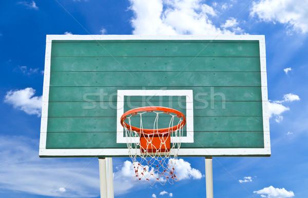 Koszykówki Błękitne niebo lata przestrzeni zespołu wykonywania Zdjęcia stock © tungphoto