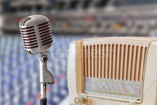 ヴィンテージ マイク ラジオ 技術 コンサート レトロな ストックフォト © tungphoto