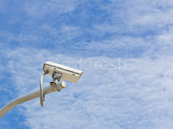 Outdoor cctv camera blauwe hemel veiligheid hemel Stockfoto © tungphoto