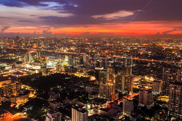 Widok z lotu ptaka Bangkok zmierzch noc działalności niebo Zdjęcia stock © tungphoto
