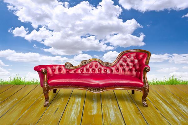 Piros luxus faburkolat égbolt fa zöld Stock fotó © tungphoto