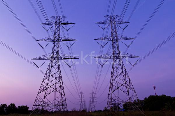 Elétrico alta tensão poder postar céu tecnologia Foto stock © tungphoto