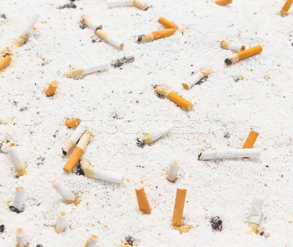 Fumador cigarro cinzeiro fumar luxo sujo Foto stock © tungphoto