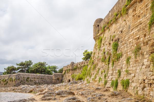 Oude muur Griekenland boom gebouw stad Stockfoto © tuulijumala