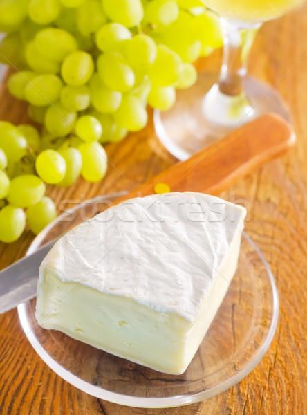 Queijo camembert comida vinho madeira fruto pão Foto stock © tycoon