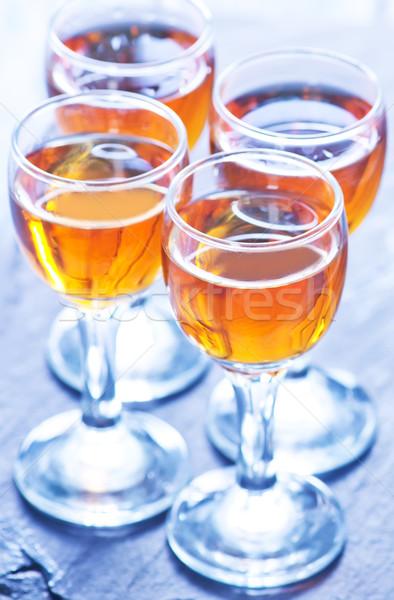 Alcohol beber gafas negro mesa vidrio Foto stock © tycoon