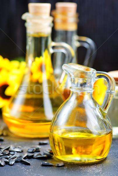 Óleo garrafa tabela folha espaço preto Foto stock © tycoon
