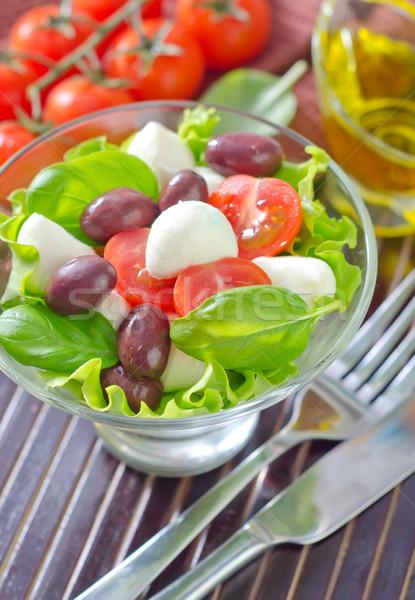 Caprese gyümölcs olaj saláta paradicsom olajbogyó Stock fotó © tycoon