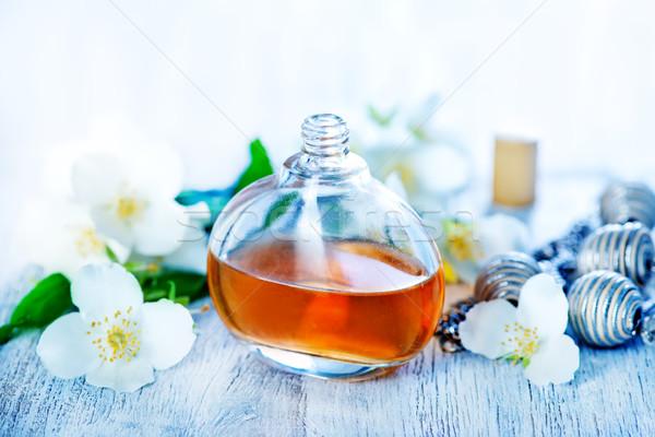 Perfume garrafa tabela mulheres vidro beleza Foto stock © tycoon