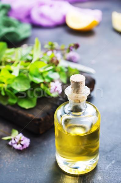 Szárított növénygyűjtemény olaj üveg asztal egészség doboz Stock fotó © tycoon
