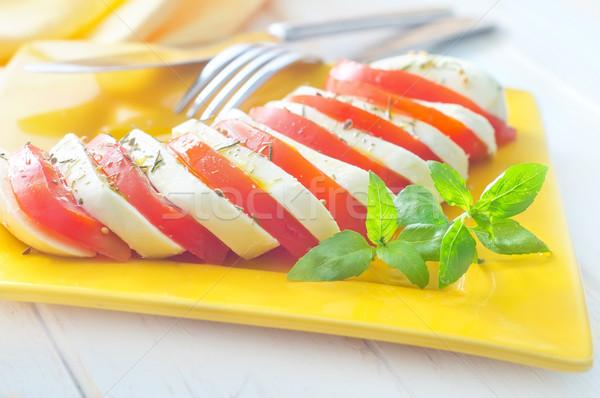 Caprese friss saláta paradicsom mozzarella levél Stock fotó © tycoon