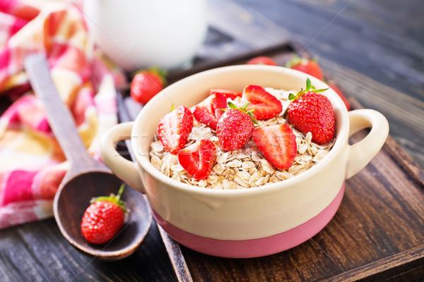 Avoine fraise bol fleurs santé Photo stock © tycoon