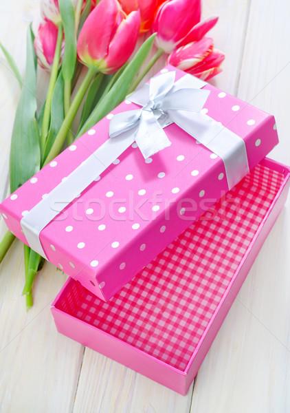 Boîte présents fleurs table printemps fond Photo stock © tycoon