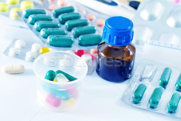 Medische helpen kleur zorg apotheek concept Stockfoto © tycoon