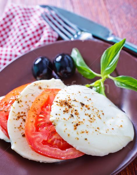Caprese gıda yaprak yağ kırmızı plaka Stok fotoğraf © tycoon