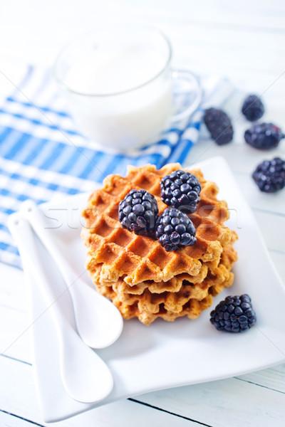 Waffle comida coração chocolate prato café da manhã Foto stock © tycoon