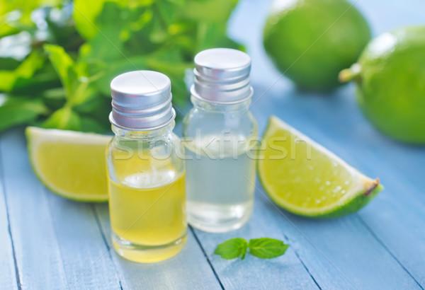 Zdjęcia stock: Oleju · charakter · liści · zielone · butelki