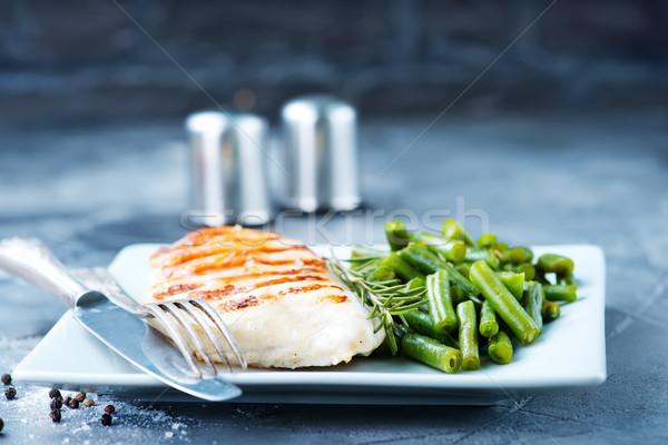 Pechuga de pollo frijol frito ejotes placa carne Foto stock © tycoon