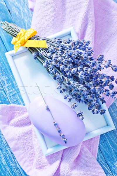 Сток-фото: мыло · лаванды · фиолетовый · деревянный · стол · древесины · тело
