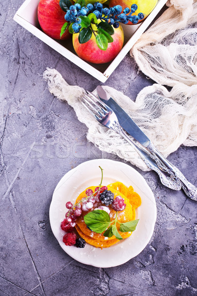 Pannenkoeken zoete bessen plaat voedsel hout Stockfoto © tycoon
