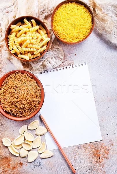 Сток-фото: сырой · пасты · кегли · таблице · продовольствие · группа