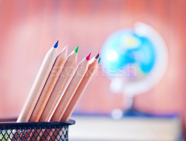 Przybory szkolne jabłko pióro biurko wykonywania klasie Zdjęcia stock © tycoon