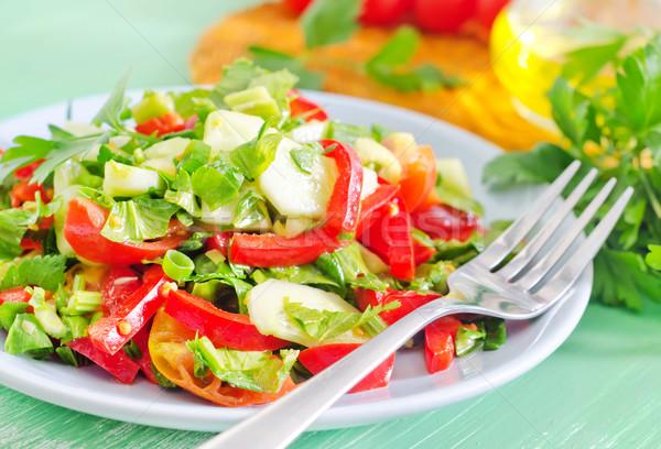 Zdjęcia stock: Sałatka · żywności · drewna · restauracji · tabeli · pomidorów